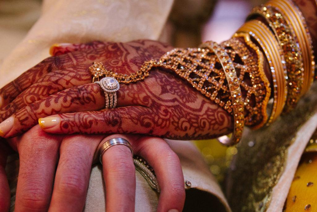 ruce, žena, náramky