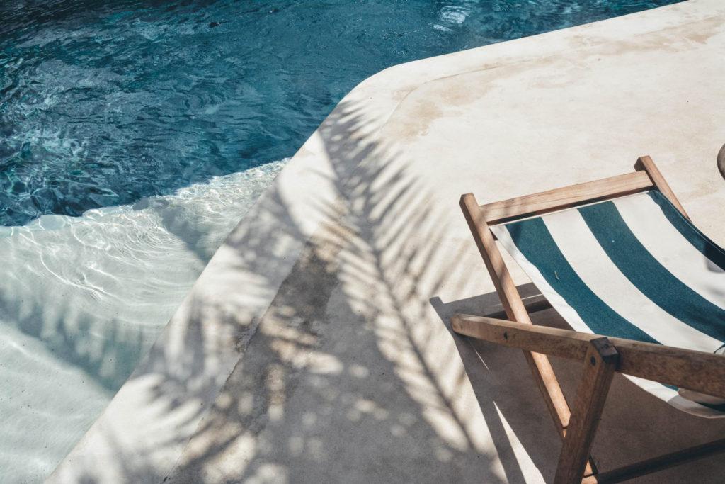 bazén, sedačka